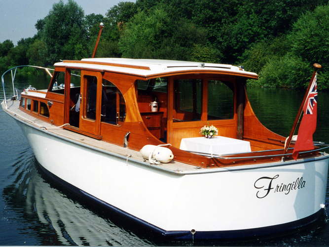 Fringilla, luxury boat hire from Maidenhead Riverside